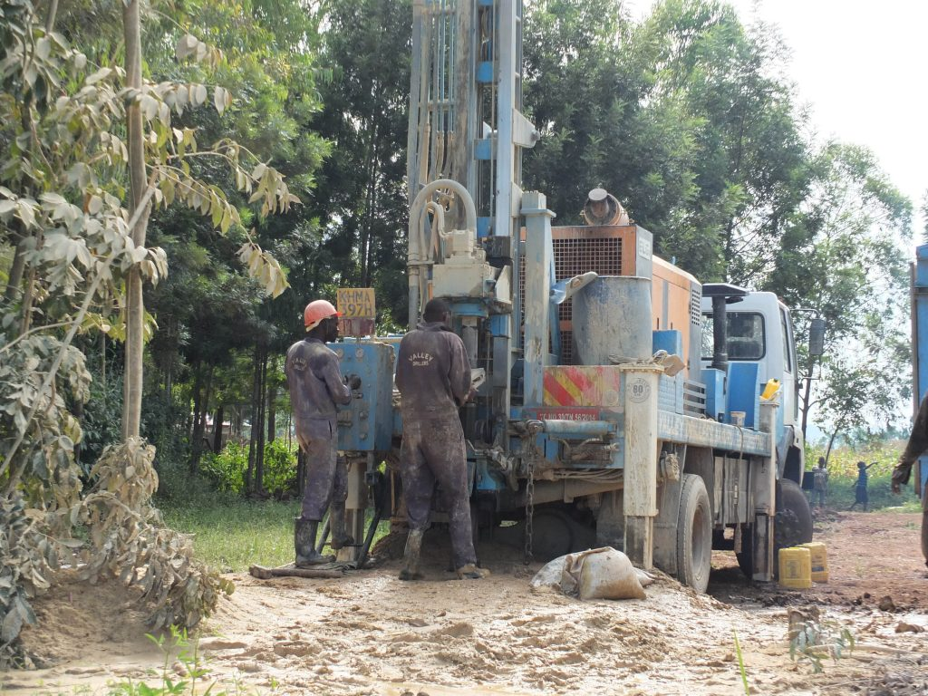 The Water Project : 4-kenya4805-drilling