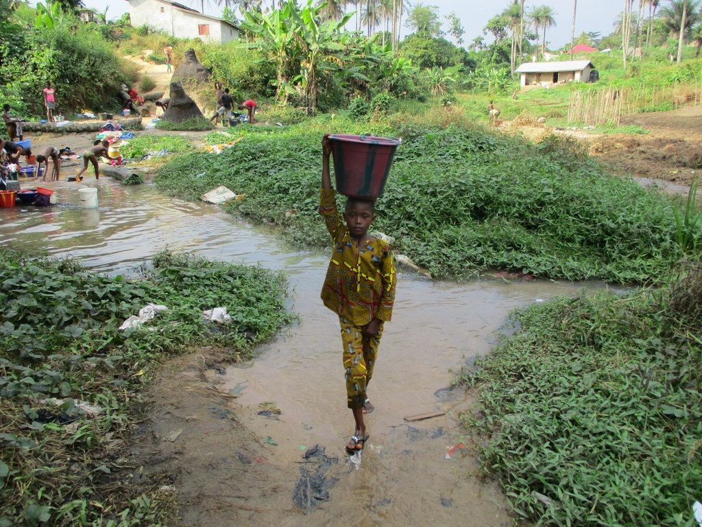 The Water Project : 4-sierraleone18260-carrying-water
