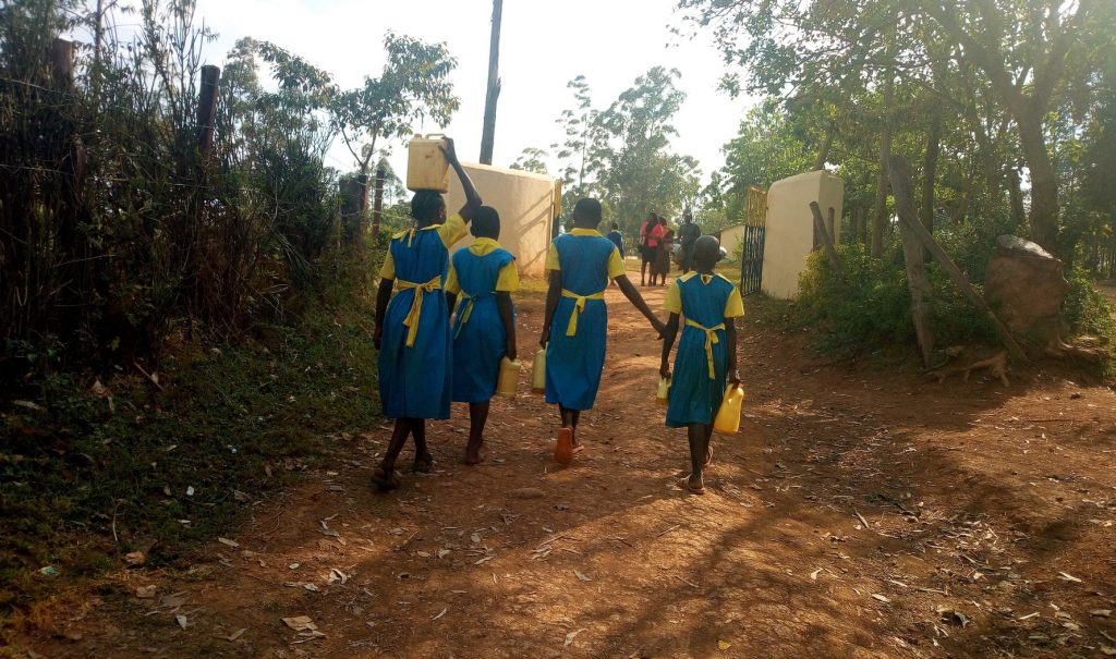 The Water Project : 6-kenya18061-going-to-fetch-water