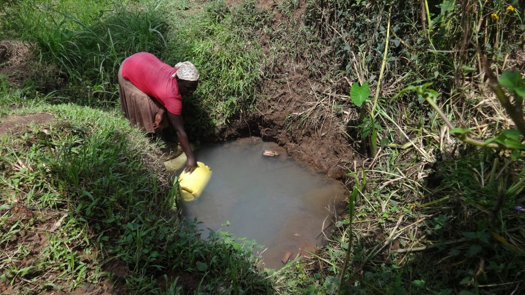 The Water Project : kenya18154-fetching-water