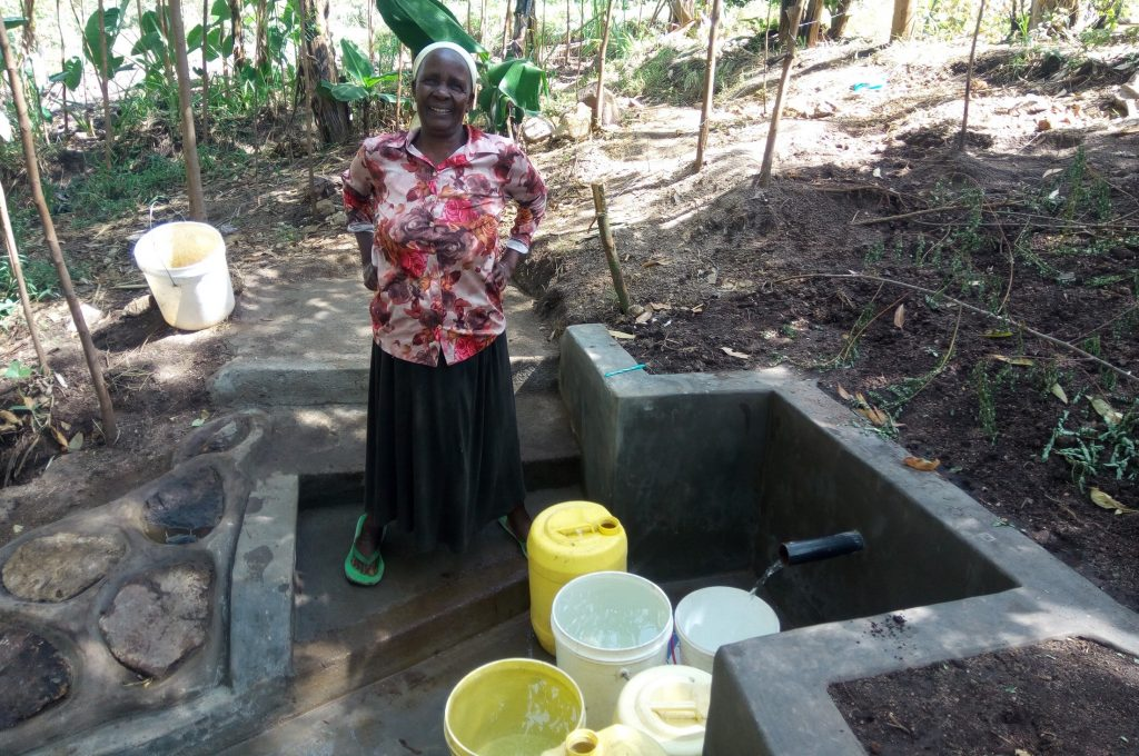 The Water Project : 15-kenya18097-clean-water