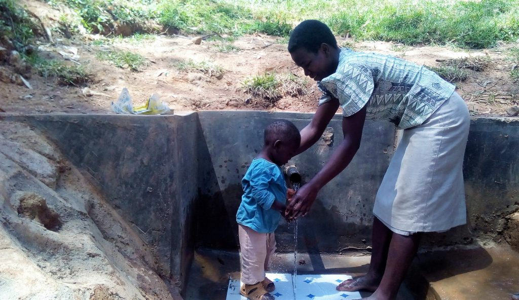 The Water Project : 16-kenya18091-clean-water