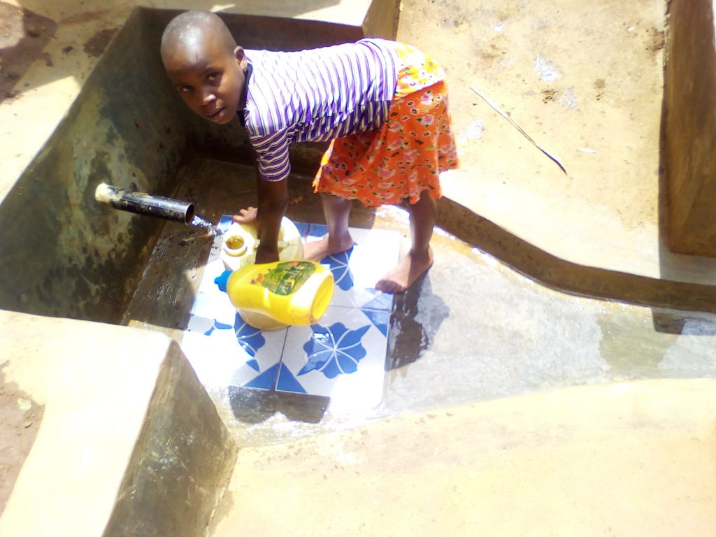 The Water Project : 19-kenya18092-clean-water