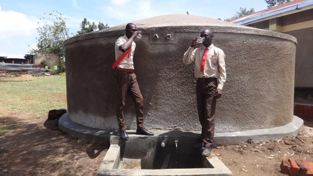 The Water Project : 21-kenya18021-clean-water