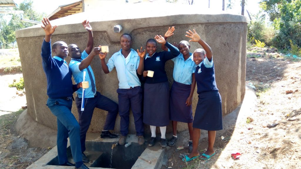 The Water Project : 21-kenya18035-clean-water