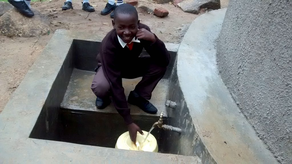 The Water Project : 22-kenya18022-clean-water
