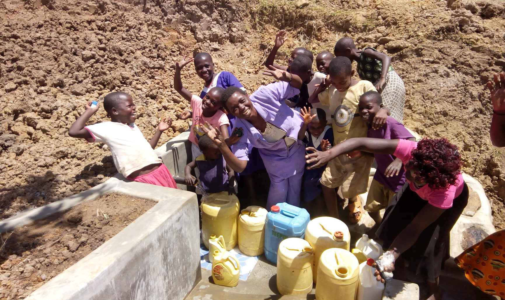 The Water Project : 22-kenya18114-clean-water