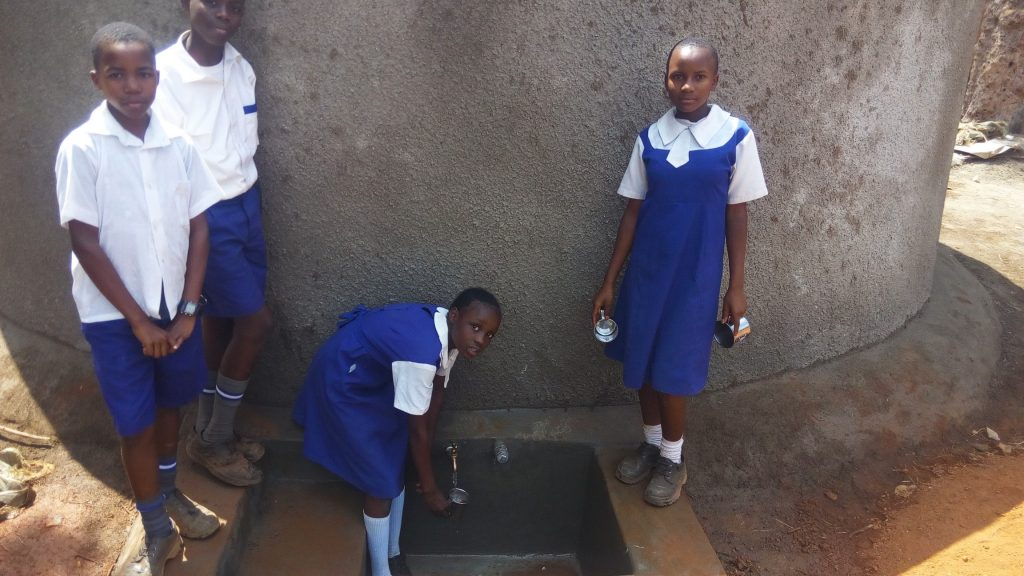 The Water Project : 23-kenya18007-clean-water