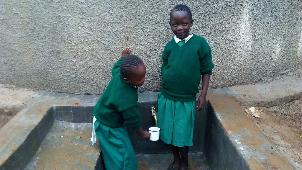 The Water Project : 23-kenya18016-clean-water