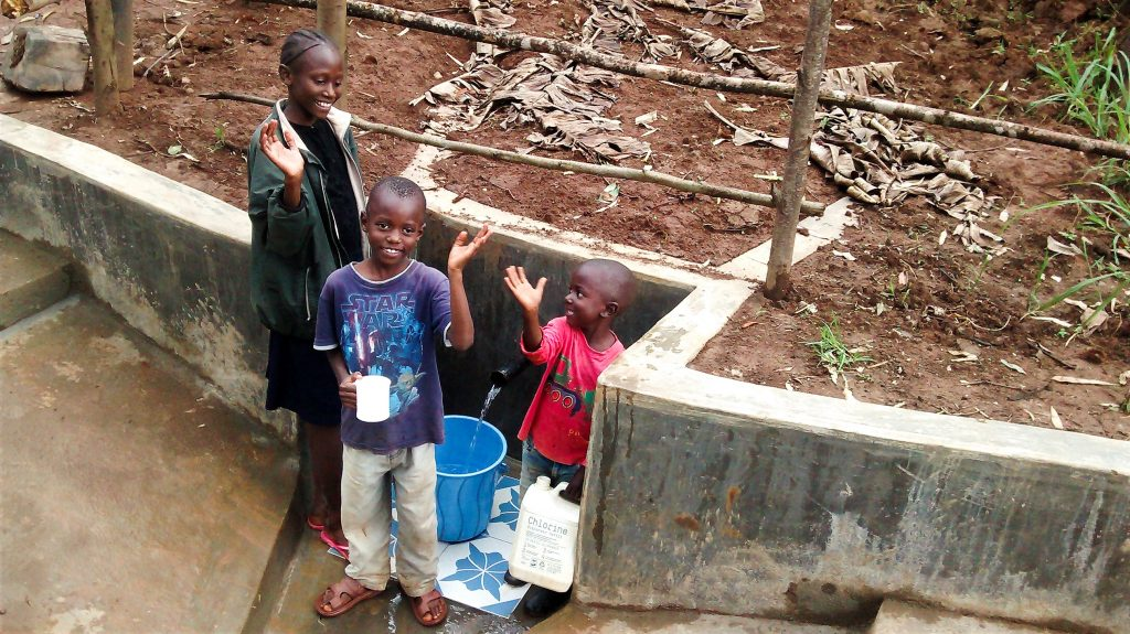 The Water Project : 25-kenya18095-clean-water