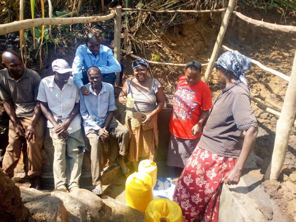 The Water Project : 27-kenya18131-clean-water