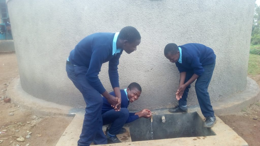 The Water Project : 28-kenya18017-clean-water
