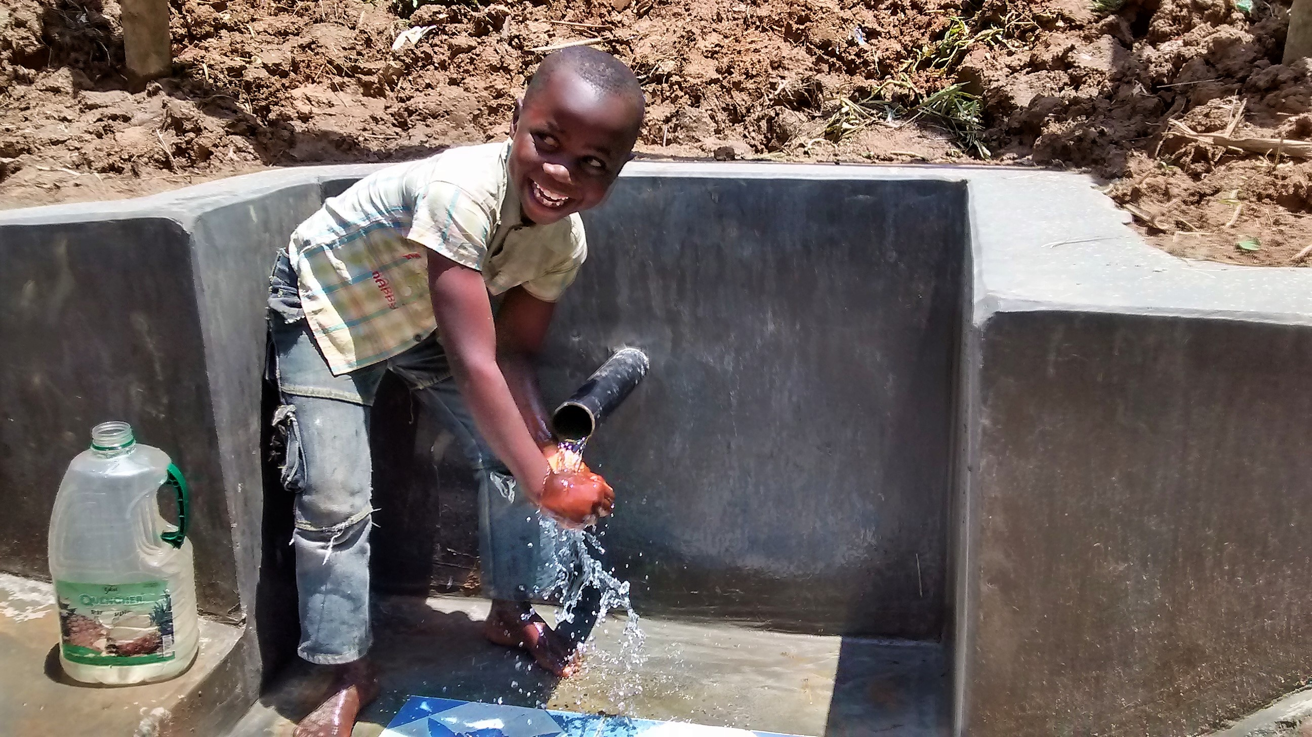 The Water Project : 28-kenya18094-clean-water