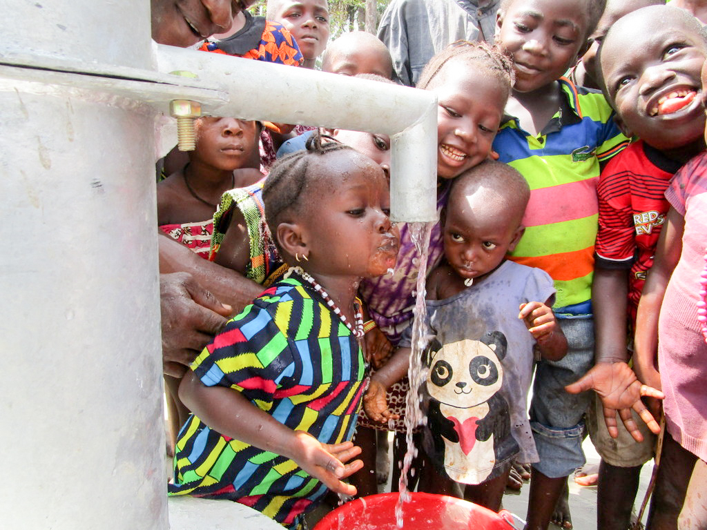 The Water Project : 38-sierraleone18249-clean-water