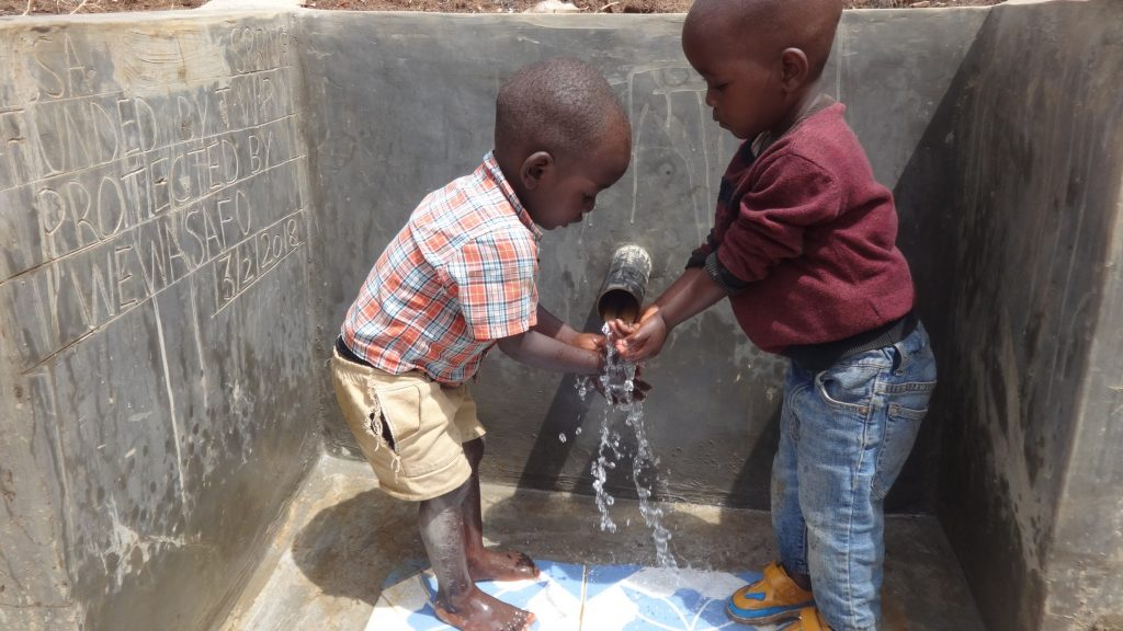 The Water Project : kenya18165-clean-water