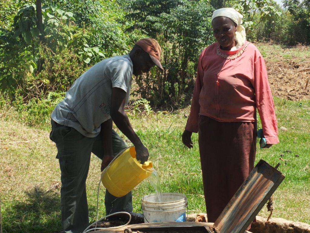 The Water Project : kenya18287-vilongo-woman-carrying-water-1