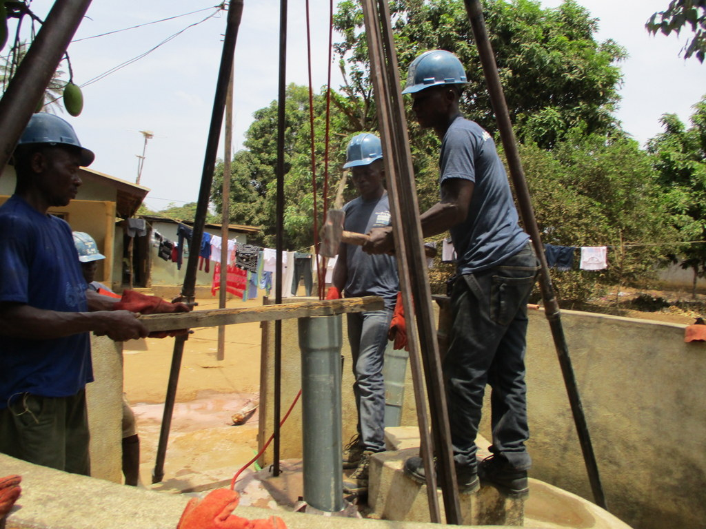 The Water Project : sierraleone18275-drilling-2