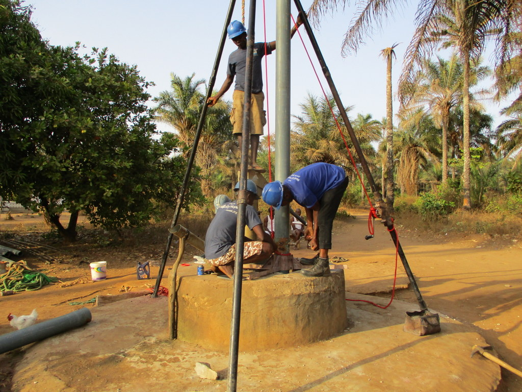 The Water Project : sierraleone18276-drilling-well