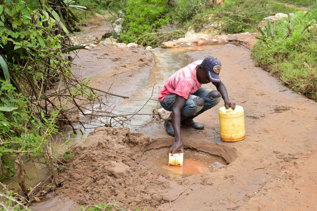 The Water Project : 1-kenya18180-fetching-water