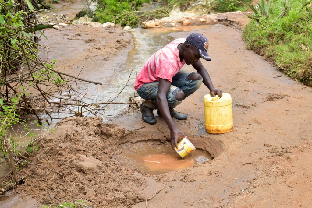 The Water Project : 1-kenya18210-fetching-water