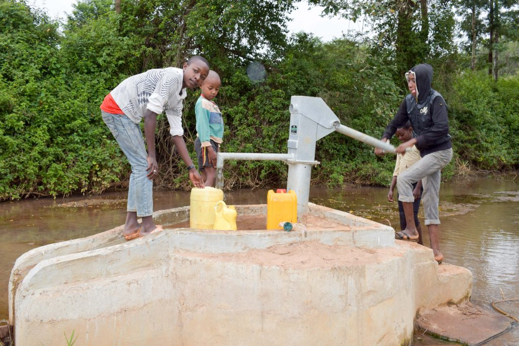 The Water Project : 12-kenya18202-clean-water