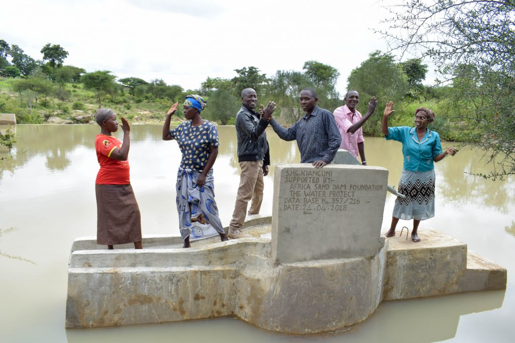 The Water Project : 14-kenya18204-clean-water