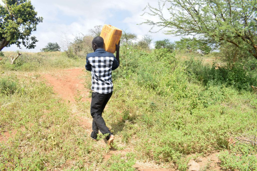 The Water Project : 2-kenya18184-carrying-water