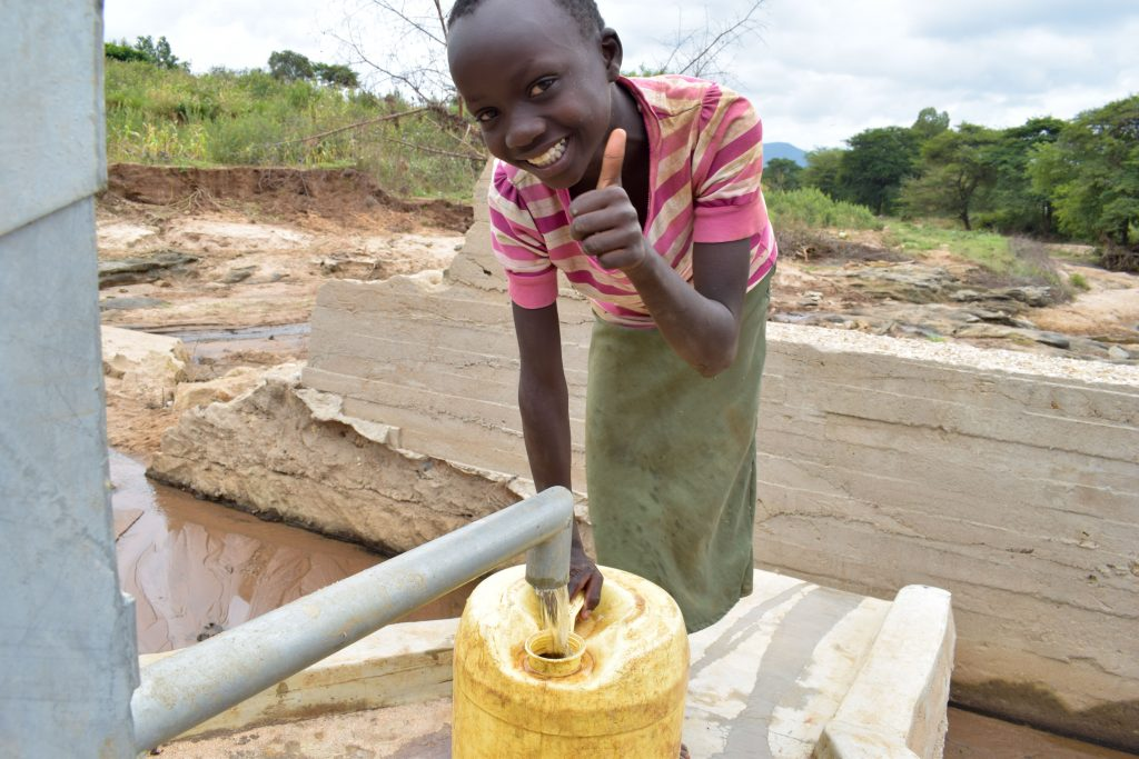 The Water Project : 24-kenya18203-clean-water