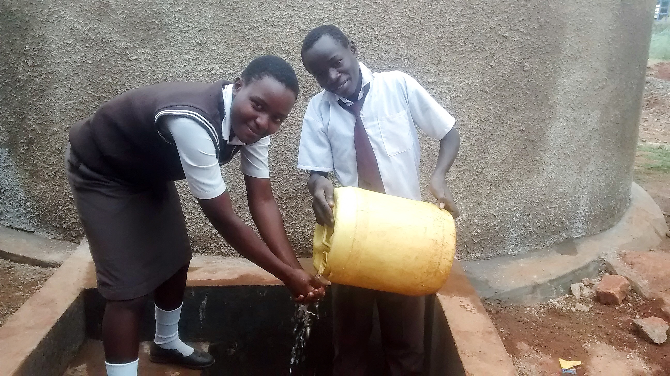 The Water Project : 26-kenya18009-clean-water