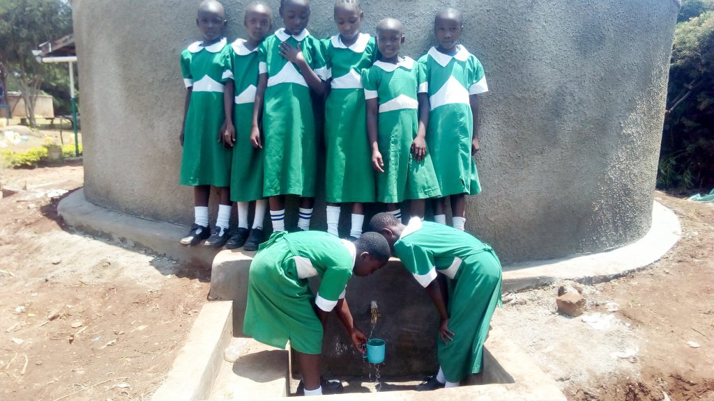 The Water Project : 32-kenya18027-clean-water