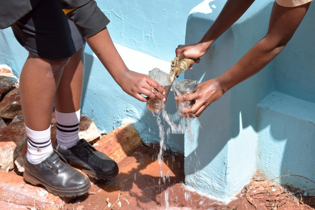 The Water Project : 33-kenya18229-clean-water