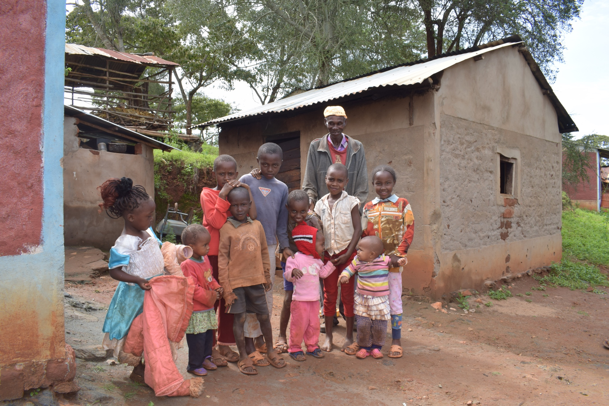The Water Project : kenya18178-family
