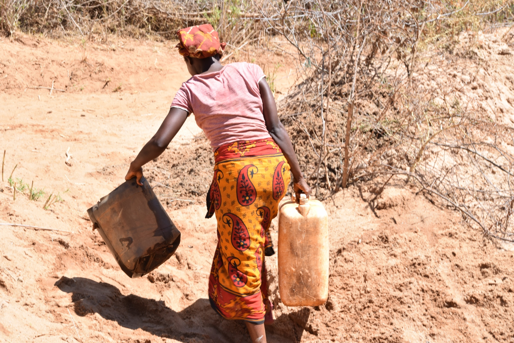 The Water Project : kenya18187-carrying-containers-to-collect-water