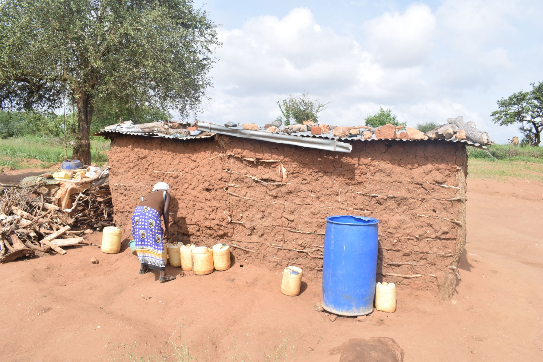 The Water Project : kenya18225-water-storage-containers