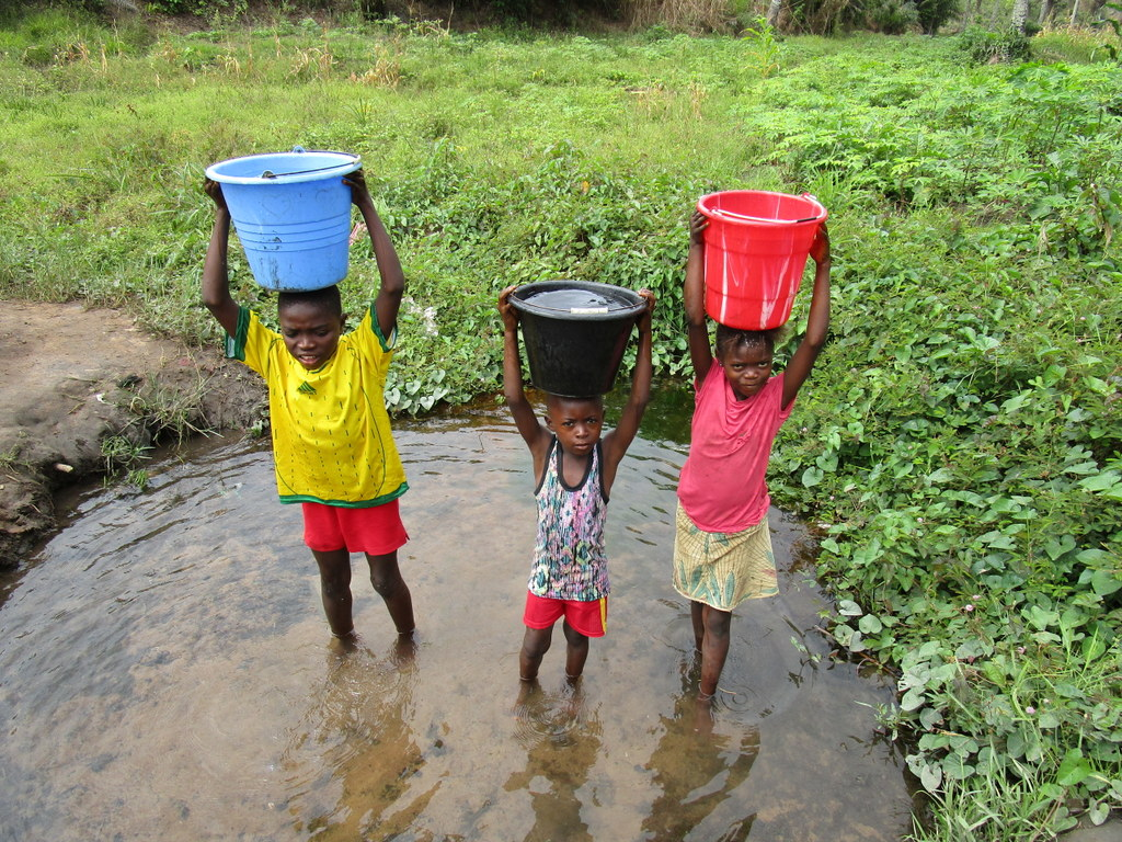 The Water Project : sierraleone18277-alternate-water-source-8-2