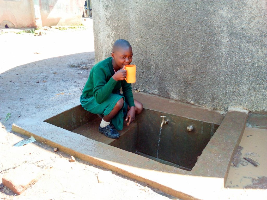 The Water Project : 28-kenya18047-clean-water