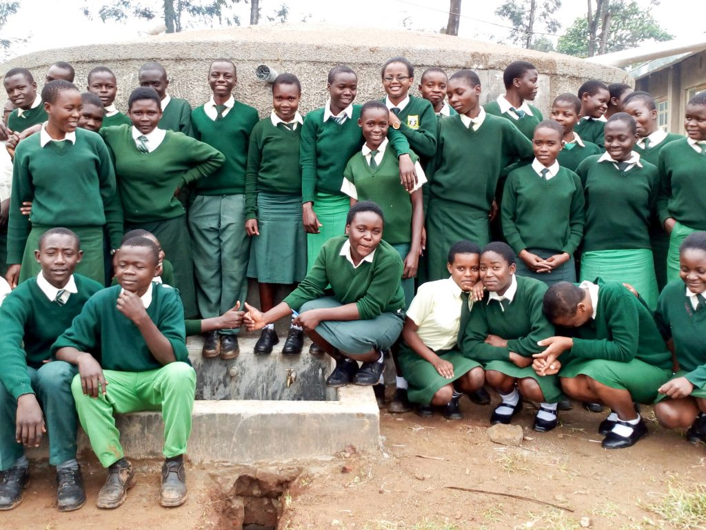 The Water Project : 29-kenya18030-clean-water