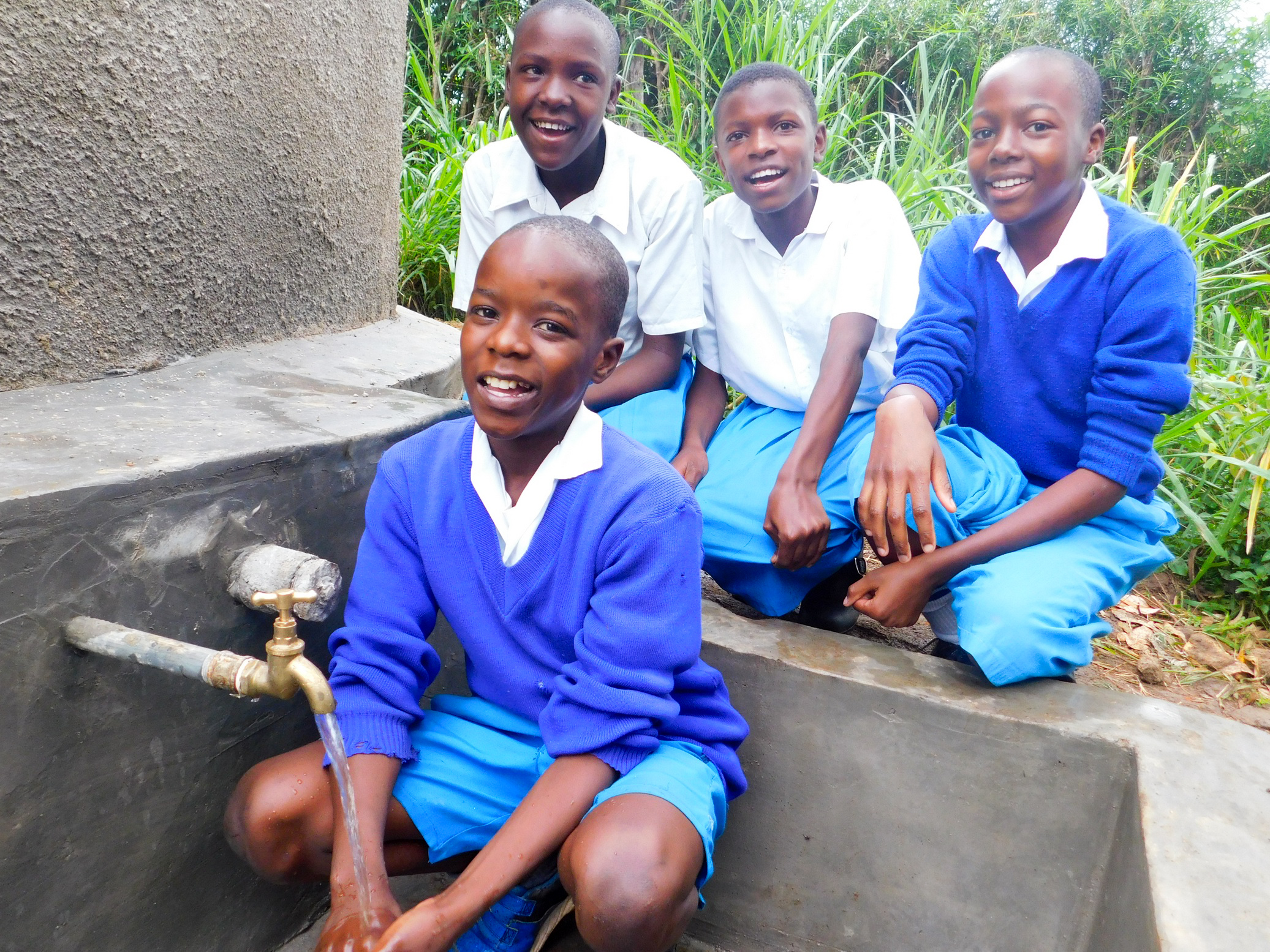 The Water Project : 44-kenya18020-clean-water