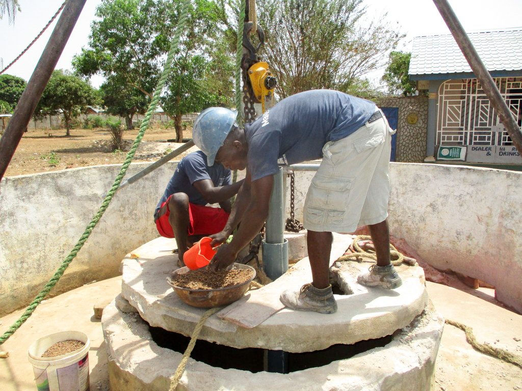 The Water Project : 17-sierraleone18278-drilling