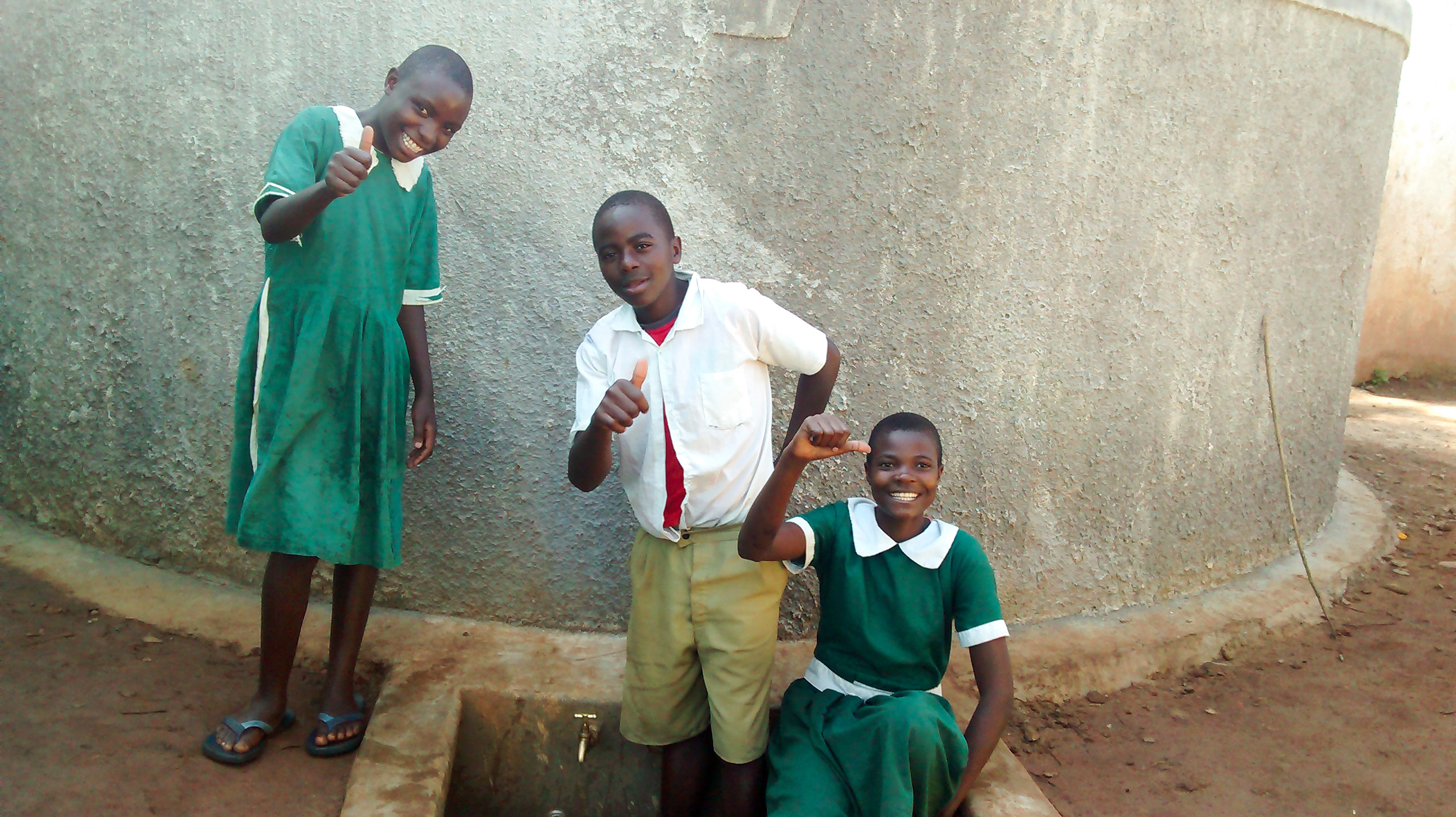 The Water Project : 21-kenya18015-clean-water