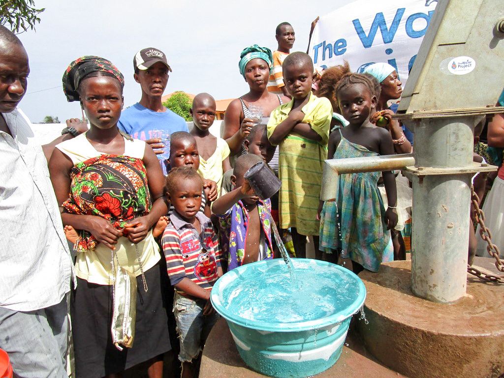 The Water Project : 22-sierraleone18277-clean-water