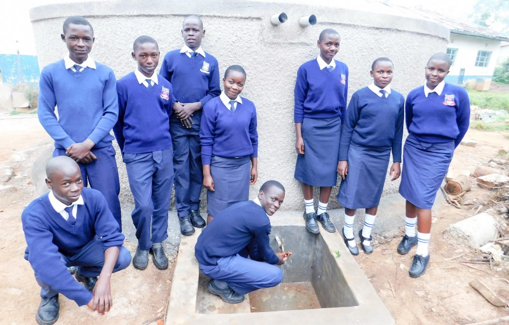 The Water Project : 24-kenya18045-clean-water