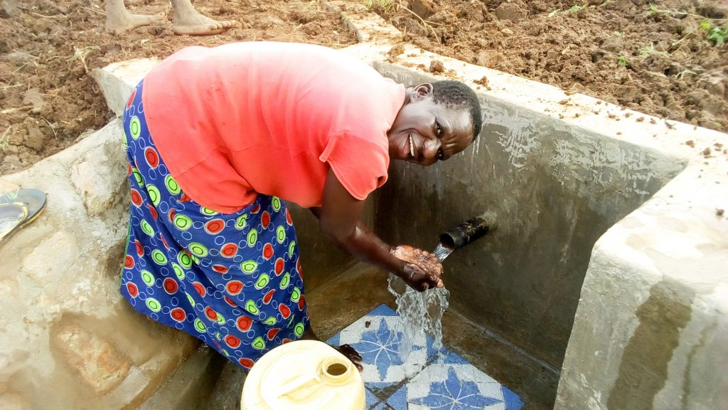 The Water Project : 24-kenya18106-clean-water