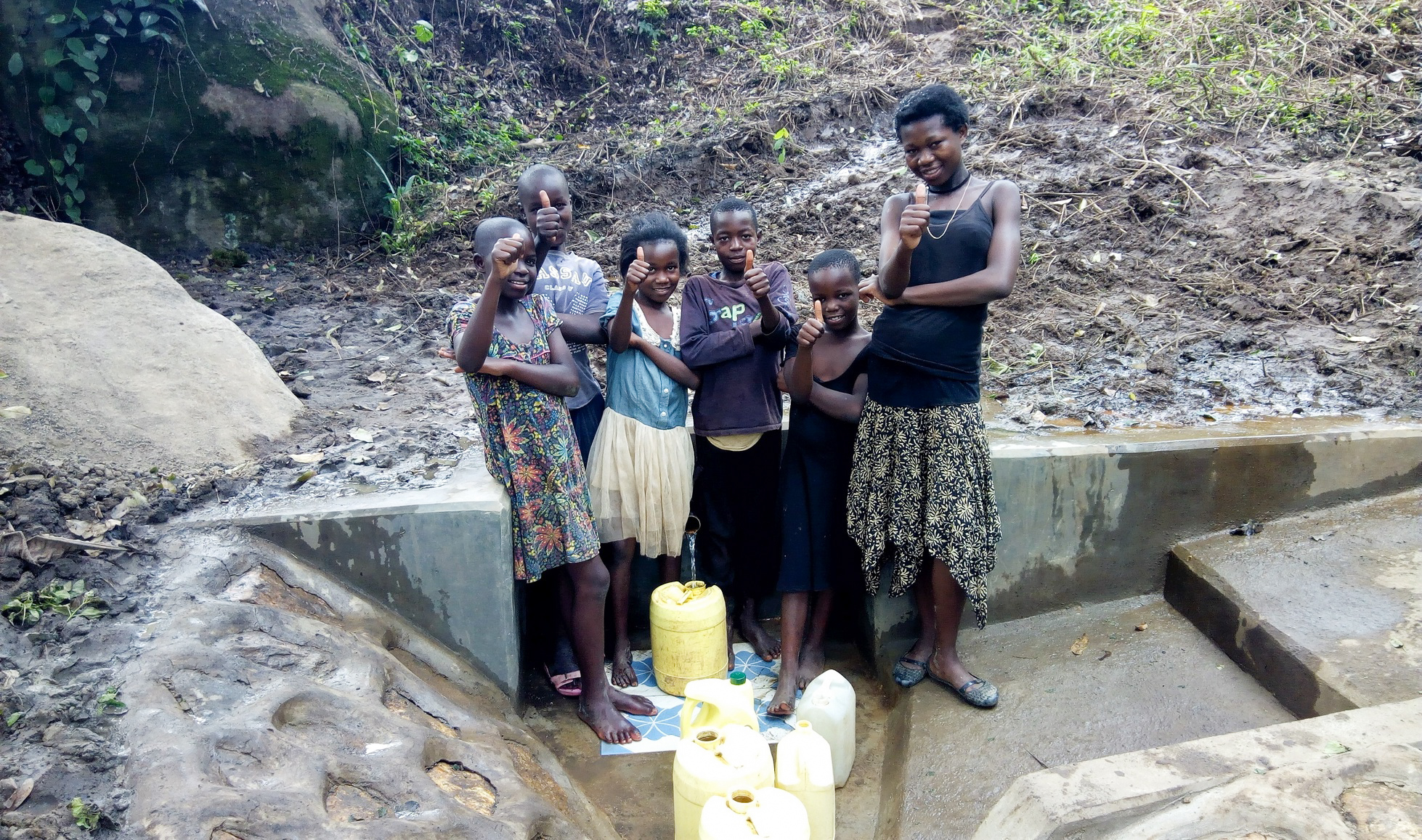 The Water Project : 24-kenya18124-clean-water