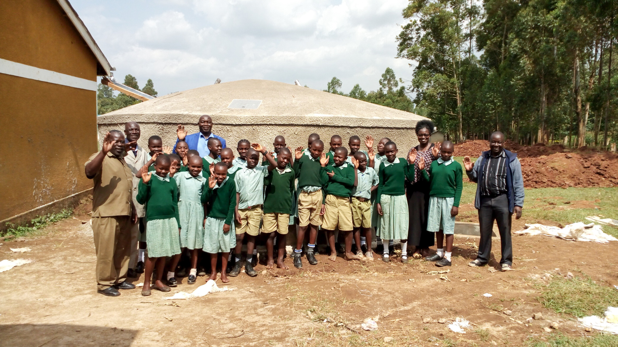 The Water Project : 25-kenya18033-finished-tank
