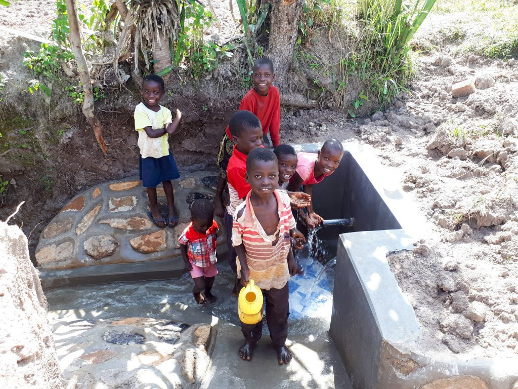 The Water Project : 25-kenya18123-clean-water