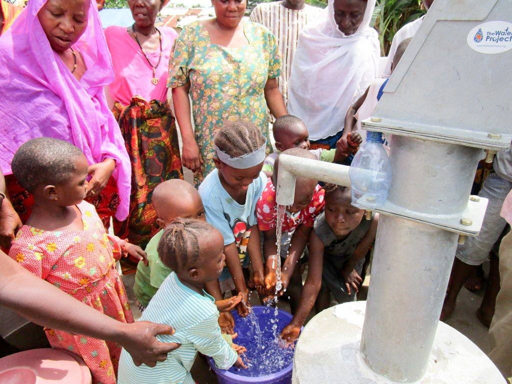 The Water Project : 25-sierraleone18255-clean-water