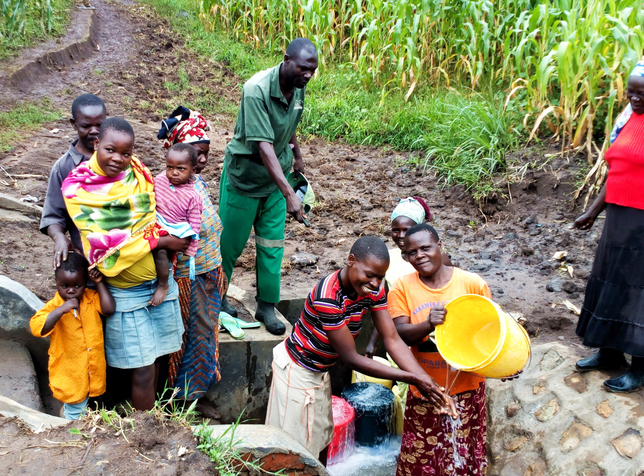 The Water Project : 26-kenya18116-clean-water