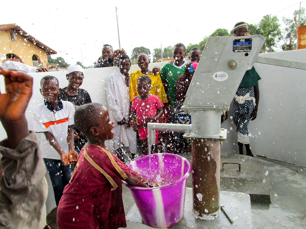 The Water Project : 27-sierraleone18262-clean-water