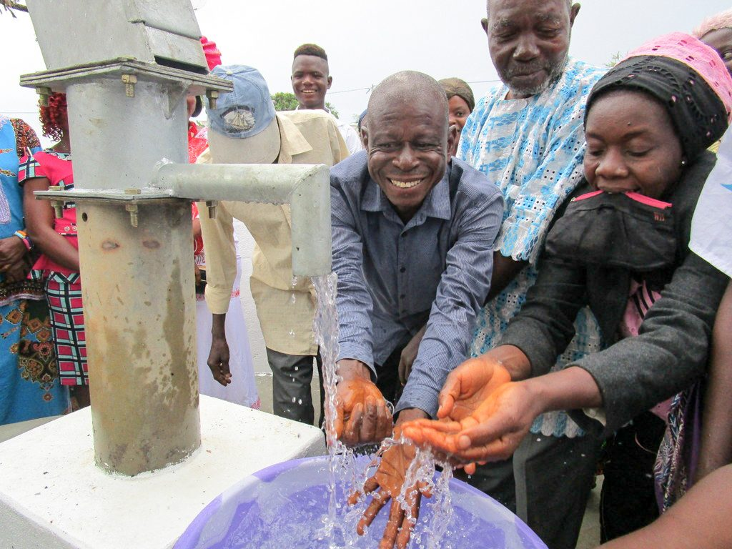 The Water Project : 27-sierraleone18264-clean-water